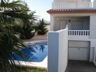 CHALET GREGORIA, 4 dormitorios y piscina privada