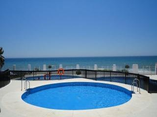 2131 Puerta del Mar primera línea de playa, Sitio de Calahonda