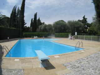Villa Ad Alta - shared pool, A/C, 5 bed, sleeps 10, Cannes