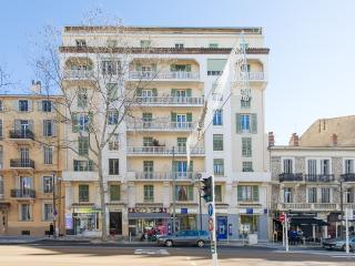 Cannes 2 BR 88 sqm renovated comfort 7 pers centre