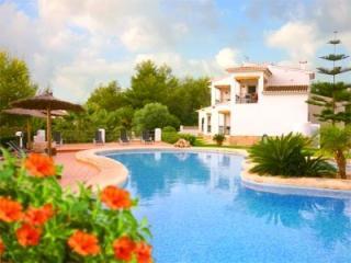 Apartamento playa y piscina. Urbanizacio Tranquila, Moraira