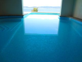 Villa Solis, New Villa with Pool, Sauna, etc., Split