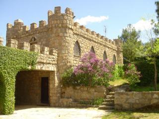 Fachada con Porche y Castillo