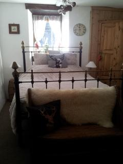 Bedroom 3 (Double with space for a cot)