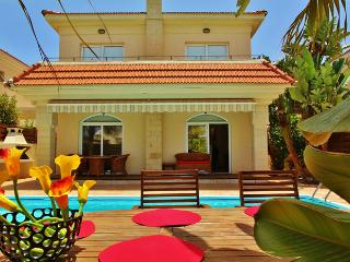 Tranquility 4 bedroom villa