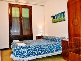 Low cost apartment in gothic., Barcelona