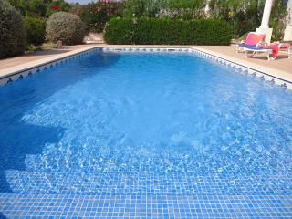 Popular Burgau villa just short walk from Cabana Velhas beach