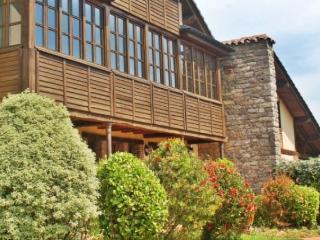 Habitaciones rurales en casa rural perfecto para p, Allende