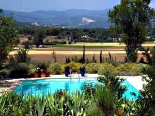 2 bedroom Villa in Gordes, Provence, France : ref 2000133