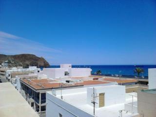 Vivienda en 20 linea de playa Carboneras y a.acondicionado
