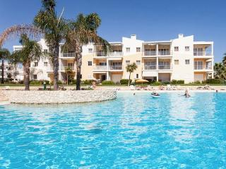 Apartment w/pool 2 min beach 5 pax, Alvor
