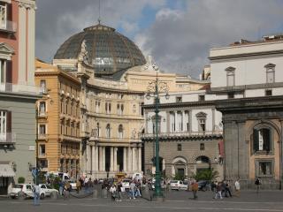 Le Mie Dimore, Neapel