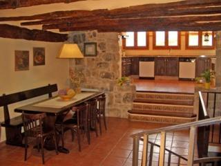 Casa Rural de 3 dormitorios en Horta De Sant Joan, Horta de Sant Joan