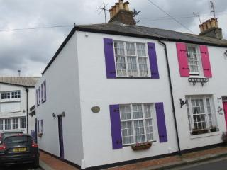 Fisherman's Cottage -A Luxurious Step Back in Time, Worthing