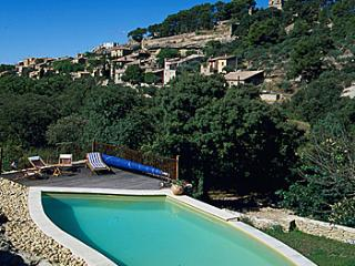 6 bedroom Villa in Saumane De Vaucluse, Provence, France : ref 2000136