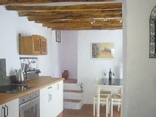 Vivienda Rural con WIFI y patio 2 habitaciones en Alhama De Granada