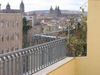 Ático nuevo en el centro de Salamanca