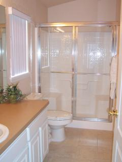 En-suite bathroom for 1st Master
