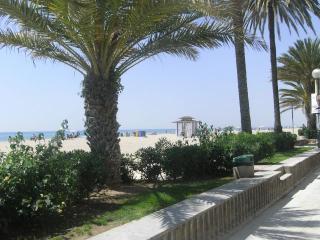 Calafell playa.A 50 m de la playa (muy familiar