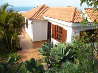 Casa aislado con gran jardin privado vistas al mar