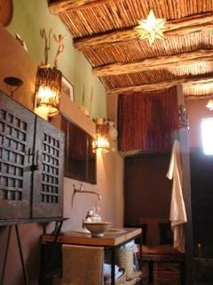 nomad room's bath room