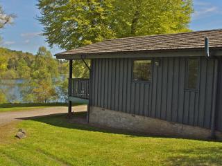 Cedar Lodge - Deirdre, Comrie