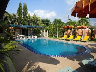 Lonops GAY Paradise, Pattaya