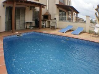 Casa 4 habitaciones, piscina privada y amarre