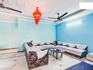 25 Minutes from airport,free WIFI, Neu-Delhi