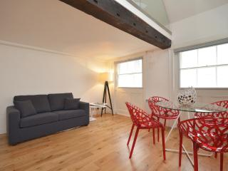 2 bed loft apartment in Leicester Square, London