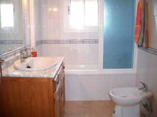 cuarto de baño de la habitacion princial