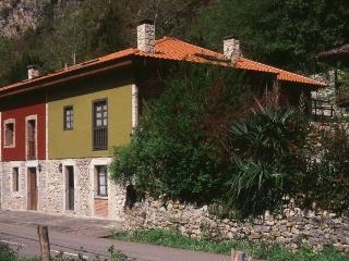 Casa Remigio, Amieva