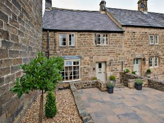 Devonshire Cottage is a luxury sandstone two-bedroom cottage dating from 19th century