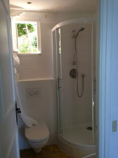 Shower room (renovated 2013)