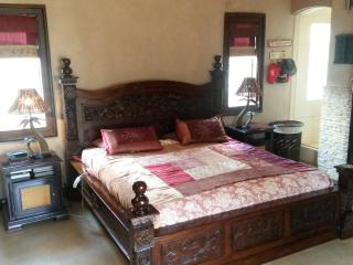 Self catering fully furnished house in Benoni