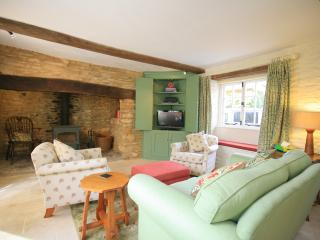West End Cottage, Kingham, Historic quiet cottage