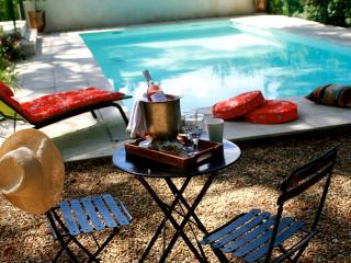 Luxury private Villa with 15 five star reviews, Nîmes