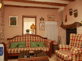 Ca Rosella. Casa rural. Casa de Pueblo.