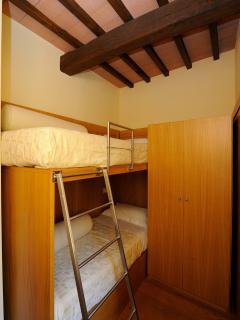 Resort Borgo Santa Lucia la camera dei ragazzi nel trilocale