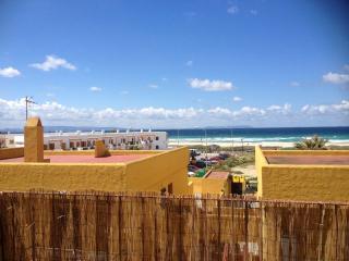Apartamento primera linea de playa con piscina
