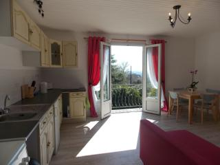 1 bedroom detached house in callac brittany france suitable for couples.