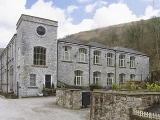 6 Litton Mill - luxury self catering apt - Peak District riverside - sleeps 6