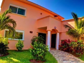 Villa Izcalli, Playa del Carmen