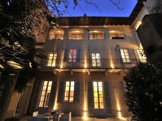 LUXURY MANSION WITH INTIMATE GARDEN AND SPA, Orta San Giulio