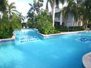 3 BR, 3 Bath at Britannia Villas ~ Sleeps up to 8!, George Town