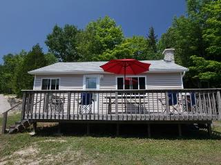 Dave's Retreat cottage (#896), Dyers Bay