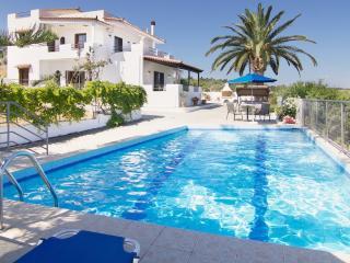 Villa Aetos - 500 m to Beach & Amazing Sea View!, Adelianos Kampos