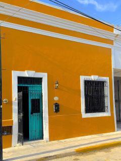 Casa on very quiet Calle!