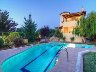 Villa Lambros - Away it From All in the Nature!, Kaloniktis