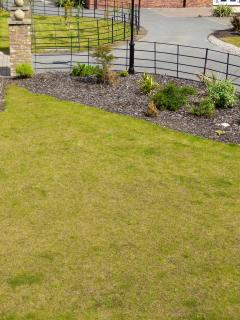 Landscaped garden area to rear